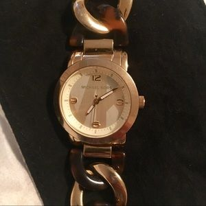 Authentic Michael Kors MK 4266.
